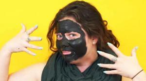 Угольная маска для лица – сделай сама!